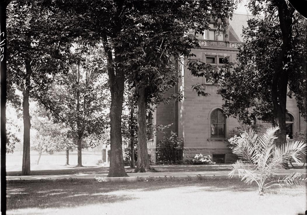 chemistry-building-1921
