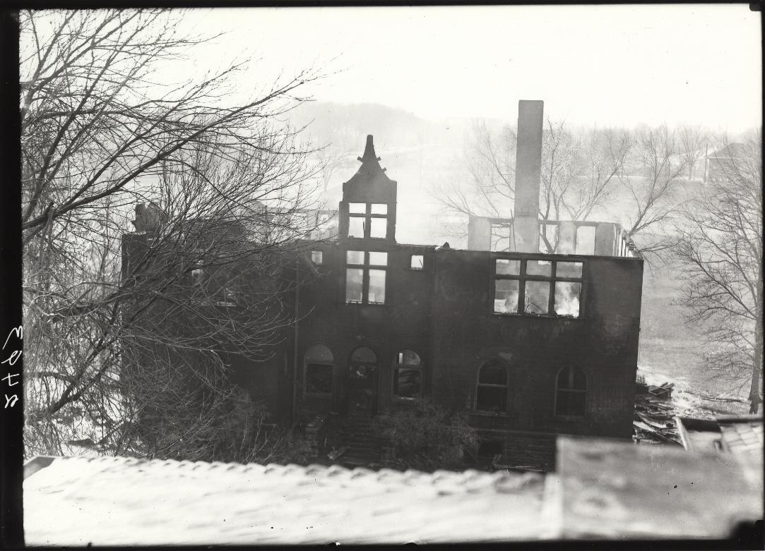 chemistry-lab-burned-dec-22-1921