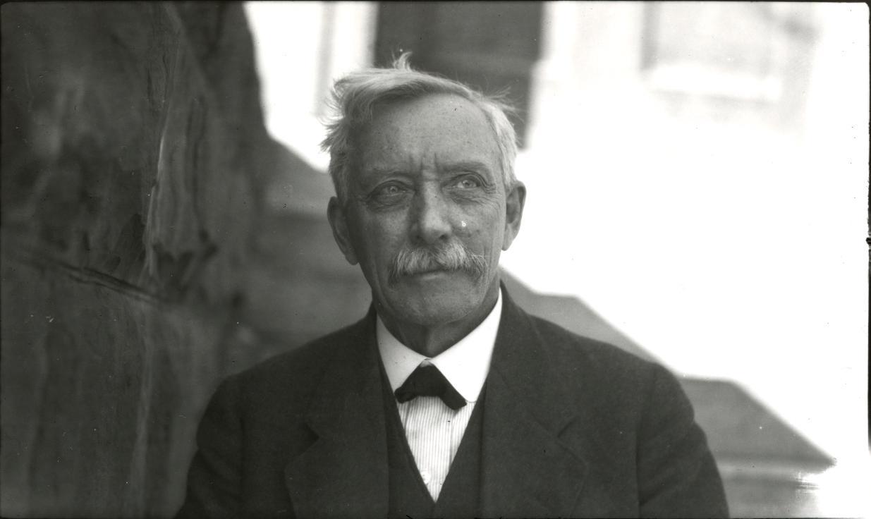 dr-william-parker-headden-1919