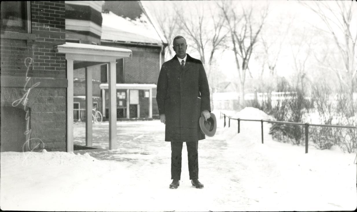 earl-douglass-1919-2